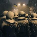 Бійці внутрішніх військ у центрі Києва під снігопадом, 10 грудня 2013 року /Валентин Ориженко, Reuters/