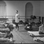 Балерина в Жовтневому палаці, де залишились на ніч мітингувальники, 3 грудня 2013 року. /Марія Волкова/