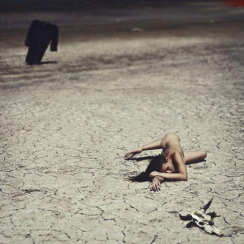 Andrew Lucas chụp ảnh khỏa thân nghệ thuật với kỹ thuật phức tạp